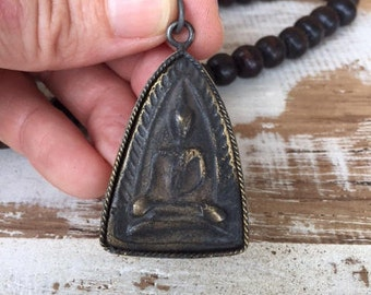 Thai Buddha Amulet Pendant in an Antique Brass Frame / Thai Amulet / Buddha Amulet Pendant / Amulet / Buddha Amulet / Buddhist Amulet