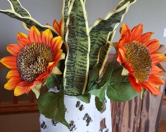Red Sunflower Arrangement, Sunflower Flower Arrangement, Mother-in-law's Tongue, Rustic Flowers, Red Sunflowers, Plant and Flowers, Pottery
