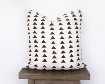 White African Mudcloth No.04/Black Triangles/ Decorative Pillow/ Bohemian/ Authentic/ Mudcloth/ Tribal/ Black and White/ Minimal