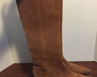 Suede leather brown pointed toe boots   size 9M