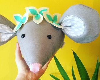 Felt mouse head, baby cribs, woodland nursery, monochrome nursery, babies room, mouse decortion, childrens decor, kids styling