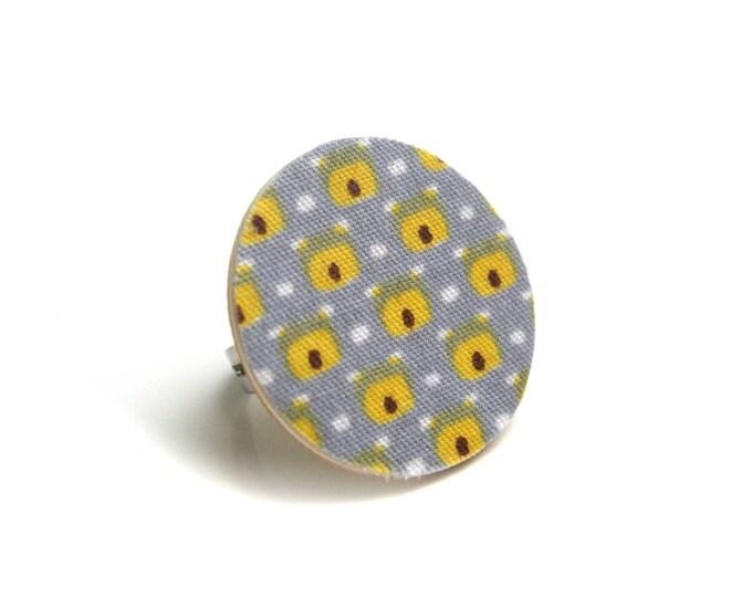 Geometric ring wood and fabric designer yellow/gray Pearl