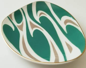 Vintage-Toyotoki-mod-geometric-serving plates Set of 3 Mid -century. Forest Green and White
