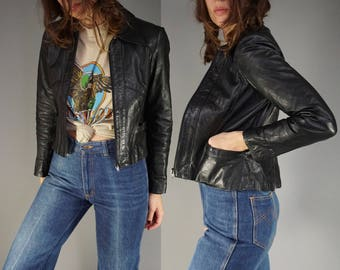 Vtg 70s Wilsons Black Leather Jacket || Moto Jacket Cafe Racer || Cropped Jacket Coat || Wilsons House of Suede and Leather || XS Small