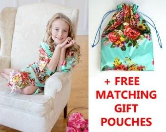 FLOWER GIRL GIFT, Flower Girl Robe, Robes Set, Gift Set, Satin Robe, Flower Girl Favor, Bridesmaid Gifts, Bridal Party Robe (+ Gift Pouches)