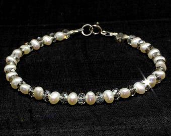 Pearl bracelet, Swarovski bracelet, Crystal bracelet,Beaded bracelet,Bridesmaid, Birthstone,June birthstone, 3rd anniversary,Sterling silver