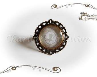 """""""Lady"""" Green""""round glass cabochon ring"""