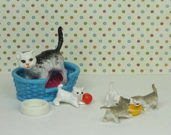 Doll house vintage cat kittens bed 1990s bed plastic