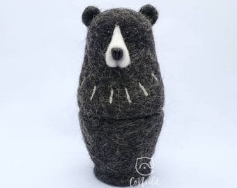 "Felt Matryoshka-doll-Bear ""pins Kiss"". Needle felt. 100% Wool!"