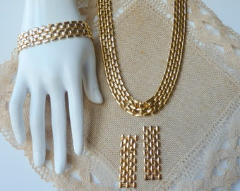 Gold Tone Necklace Bracelet Stud Earrings, Gold Tone Braided Link Choker Jewelry Set, Collectible, Costume  Gold Thick Chunky Jewelry Set