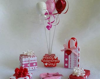 Miniature Valentine Balloons and Presents (1/12th Dollhouse scale)