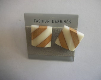 Brown and White Stud Earrings Vintage Preowned