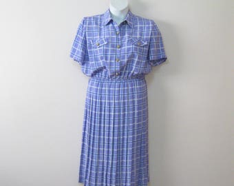 Vintage Easy Care Shirtwaist Dress Misses Size 14 Petite Pleated Skirt Gold Buttons SEE Details