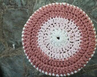 Housse au crochet pour tabouret  32 cm diamètre