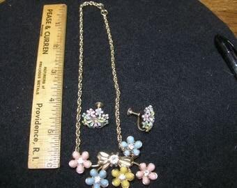 "14"" Pastel Flower and Screwback Earring set(743)"