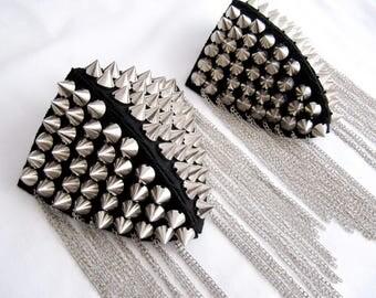 2 PCS.Arasi Epaulet,Studded Epaulet,Handmade epaulet, Silver Studs Pads,Shoulder Embellishment,Silver Epaulet,Silver Spiyked Epaulet 3D Pads