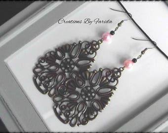 These bronze Teardrop filigree earrings and Pearl Pink/black