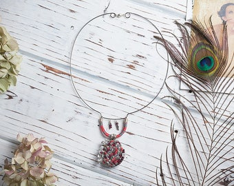 Embroidered retro style necklace Soldered tiffany technique Gemstone ruby crystal necklace Bocho style pendant Bohemian embroidered jewelry