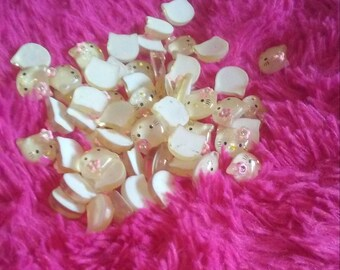 mini kitty cabochons with flowers