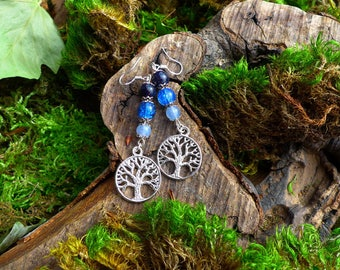 """Tree of life """"Yggdrasil"""" with aquamarine beads, blue Crackle Crystal and Astralite"""