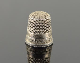Simon Brothers #8 Floral Motif Thimble Sterling Silver