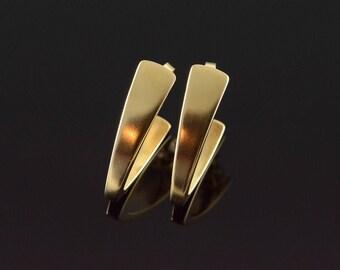 14k V Hook Hoop Earrings Gold
