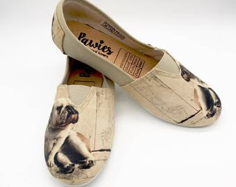 English Bulldog Shoes !! Women shoes, Dog Lovers, dog breeds.