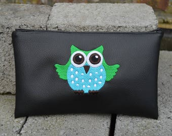 bag embroidered with OWL