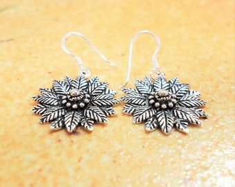 Dok Bua Bann earring silver from Nonthaburi Thailand