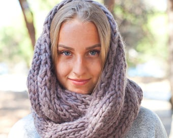 Pure Wool Infinity Scarf / Chunky Knit Snood / Winter Shawl / Loop Scarf / Hand Knitted Scarf (is-0001)