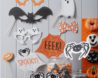 Spooky Halloween Photo Booth Props - Spooky Spider - Halloween Party, Dress Up, Decoration