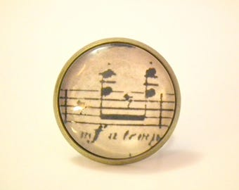 "Cabochon ring ""to the music"""