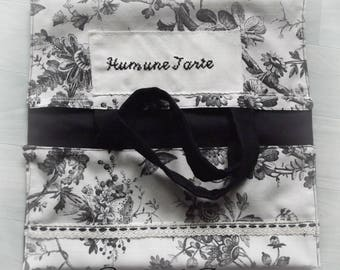 bag has pie toile de jouy black and white