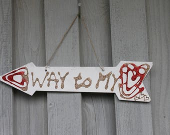 Decoration arrow, sign, way to my heart