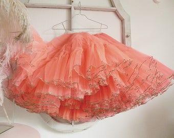 Stunning vintage tulle skirt, crinoline, petticoat, ballet tutu, wonderfully stiff tulle....CHARMANT!