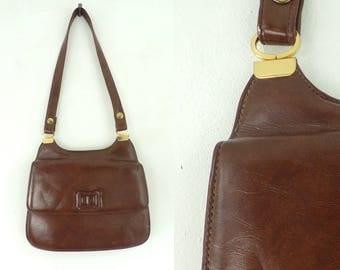 Vintage 60s  Brown Vinyl Purse, Brown Purse, Brown Mid Century Bag, Vinyl Handbag, Shoulder Bag, Preppy Purse, Classic Purse, 1960s Handbag