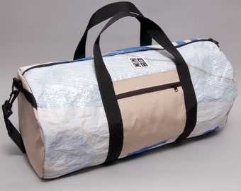 Dufflebag made from a recycled sail