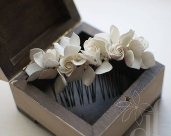 Floral comb Comb with flower Bridesmaid comb Flower comb Pearl comb White headpiece White hairpiece Flower hair comb Wedding flower comb