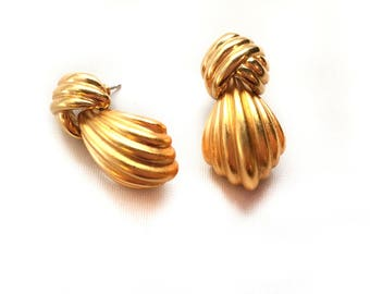 GLAM Monet Gold Dangle Knot Earrings - Pierced Ears - Vintage - Statement Piece - Glamorous - Costume