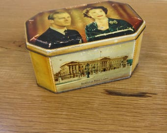 Vintage Queen Elizabeth II Coronation Dainty Confectionery Tin. Featuring a Young Queen and Prince Philip. In good condition