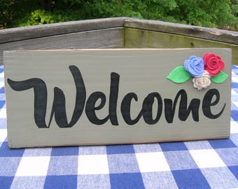 Welcome Wood Sign with Felt Flowers - Sage Green, Welcome Door Hanging, Porch,Deck, Wall Hanging