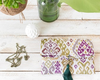 TAPESTRY FLORAL CLUTCH