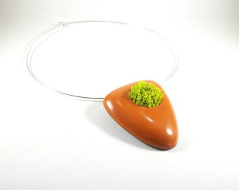 Trendy orange and green Greenery necklace