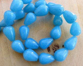 Set of 2 drop beads of 14 x 10 mm genuine white jade: Bermuda blue