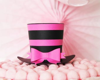 Hat shape, black and fuchsia + bow-paper 210 gr