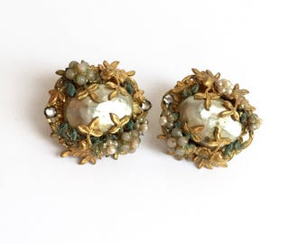 Pat Pend Vintage Baroque Pearl Beads Flowers And Leaves Gold Tone Earrings