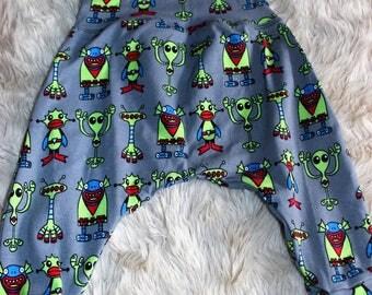 Alien Harem Pants Size 00