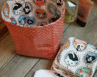 "12 pretty wipes/cotton washable and their basket ""vitamins and cats"""