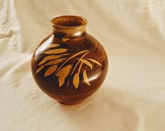 Bennett Welsh 1971 Pacific Stoneware Studio Art Pottery Vase- Signed