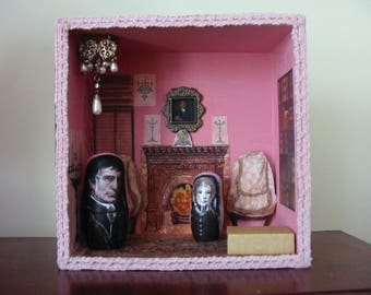 The Old House, with Barnabas and Julia wooden dolls -Dark Shadows Diorama/Theatre/Roombox.